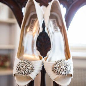 Badgley Mischka Wedding pump white/ ivory 8.5 Wide